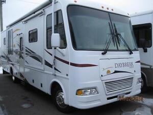 Daybreak 31' class A motorhome with 3 Slides!!! Mint