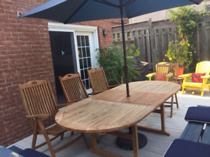 (SOLD) TEAK PATIO TABLE SET