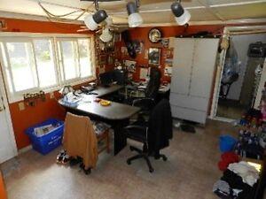 LICENSED AUTOMOTIVE SALVAGE/WRECKING YARD Belleville Belleville Area image 2