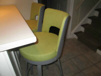 4 Bar Stools - new