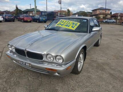 1999 Jaguar XJ8 3.2 Silver 5 Speed 5 SP AUTOMATIC Sedan