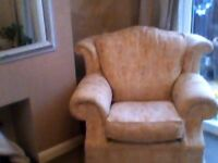 LOVELY COMFY ARMCHAIR GREAT QUALITY £50
