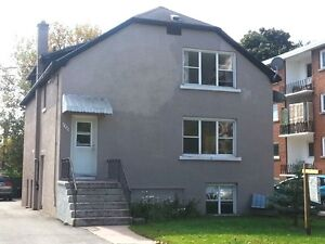 LOVELY THREE BEDROOM APARTMENT DOWNTOWN - 158-3 Park St