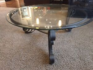 Round Buy or Sell Coffee Tables in Calgary