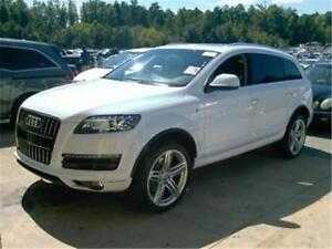 2015 Audi Q7  AWD! ONLY 5,445 MILES!