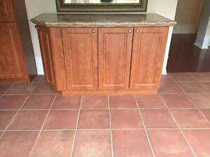 MINT CONDITION: Kitchen Cabinets/Countertops + Matching Island