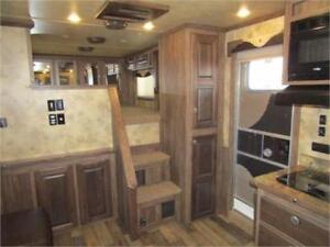 Luxury 3 Horse Slant LQ With Slide Out By Sierra