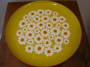 Vintage XLarge Round Plastic Lacquer Serving Tray, White Daisies Kitchener / Waterloo Kitchener Area image 4