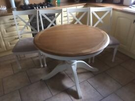 Round Oak Topped dining table