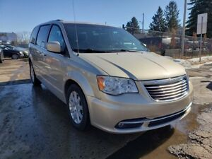 2013 Chrysler Town & Country TOURING-STOW N GO-LO