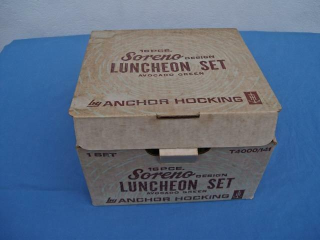 VINTAGE ANCHOR HOCKING AVOCADO SORENO GREEN 16 PIECE LUNCHEON SET NIB