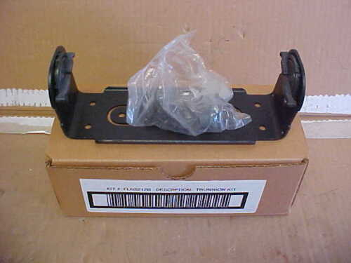 75% OFF NEW MOTOROLA MCS2000 MOBILE RADIO DASH MOUNT M/BRACKET FLN8212B LOC#52