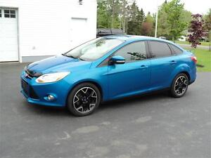 2012 Ford Focus SE NEW MVI!!!!