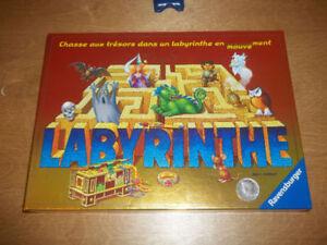 Chasse aux trésors dans un labyrinthe en mouvement-7 à 99 ans