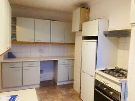 One Bed flat above shops in Harrow Weald-ALMA PARADE/HA3
