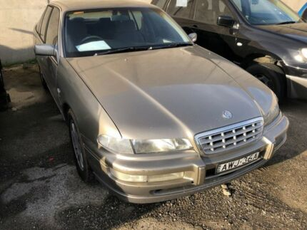 1998 Holden Statesman VSIII V6 Beige 4 Speed Automatic Sedan Hoppers Crossing Wyndham Area Preview