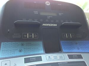Barely used Treadmill!! Comox / Courtenay / Cumberland Comox Valley Area image 2
