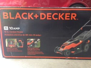 Black & Decker 15in corded lawn mower