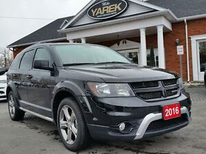 2016 Dodge Journey Crossroad FWD, Sunroof, NAV, 7 Passenger, Bac