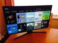 """Samsung 32"""" Smart Led TV New Shape, PAID 300E!!"""