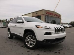 2016 Jeep Cherokee 4X4 NORTH, LOADED, A/C, 40K!