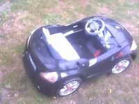 car outdoor kids car no battery in black £20.00