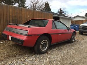 1984 Pontiac Fiero Coupe (2 door)