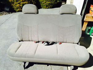 Safari Astro Rear Seat (Mint Condition)