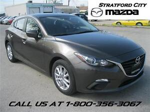 2014 Mazda Mazda3 GS-NAVIGATION! HEATED SEATS!