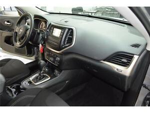 2015 Jeep Cherokee North 4X4 - U-Connect**LOW KMS**Keyless Entry Kingston Kingston Area image 20