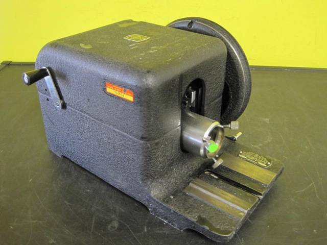 American Optical AO Rotary Microtome Cutting Tool No 820  Used Condition A/O