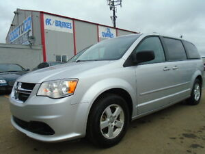2011 Dodge Grand Caravan SXT-DVD-HDTV--STOW N GO--BACK UP CAMERA