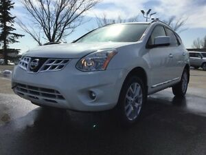 2013 Nissan Rogue SL AWD TECH Leather,  Heated Seats,  Back-up C