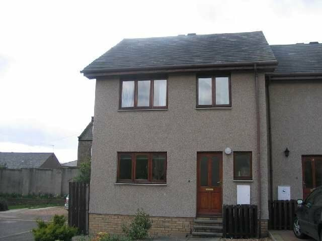 Modern 4 bedroon house in west end at Seafield Close, Dundee