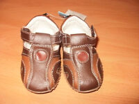 NWT unisex toddler brown shoes
