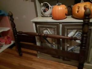 firm price good deal ,,,,,,,,,antique 3/4 bed
