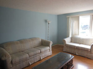 Awesome Bedroom - Across Street from Bus Stop to Brock!!