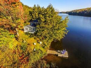 Beautiful Lake House in Eastern Townships - Waterfront Property