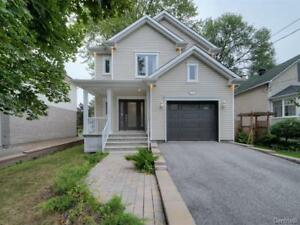 Designer home for sale - Pointe-Claire (Valois)