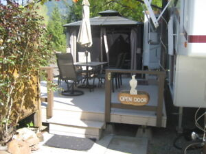 ALPENLITE 5TH WHEEL 34RL, AS NEW, INCL $32K EXTRAS. MUST SELL!!!