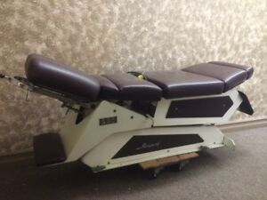 automatic hydraulic chiropractor table for sale, great condition