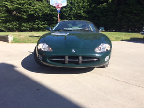 2001 Jaguar XK8 Coupe (2 door)