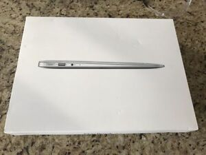 Apple MacBook Air 13 Mid 2012 Mint Cond. Comes with Box Cambridge Kitchener Area image 6