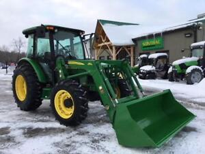 2004 JOHN DEERE 5420 UTILITY TRACTOR WITH LOADER! MINT