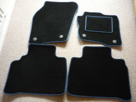 Luxury Foot Well Mats for Ford Edge