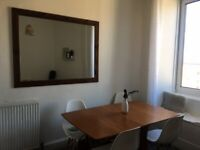 Lovely two bed flat in Meadowbank