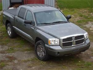 2005 DODGE DAKOTA 4X4 **QUAD CAB**