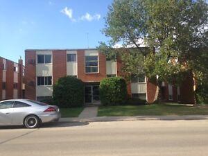 Oct 1, 2 Bedroom Apartment, Eastview, 3042 Arlington, $900