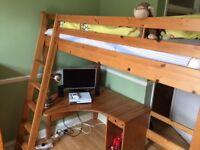 Bunkbed with a desc