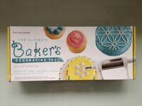 Williams Sonoma Bakers Decorating Tool